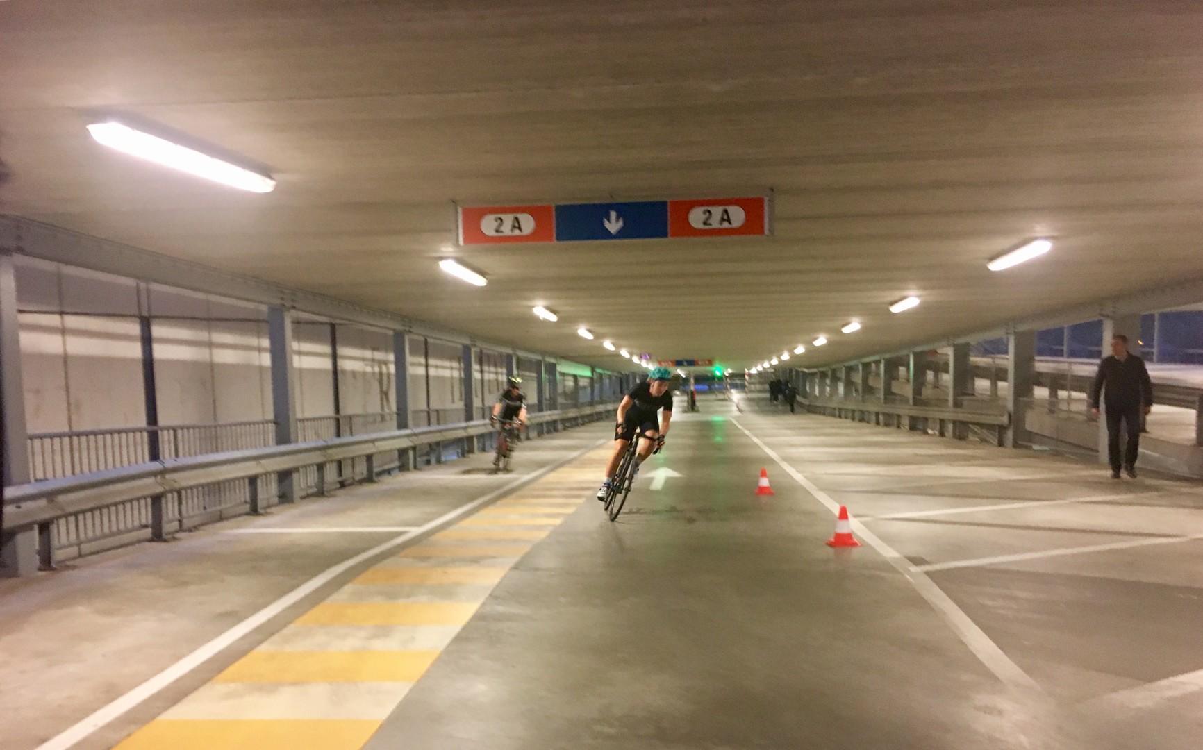 L1sprt car parc cannonball in maastricht bier bikes en for Garage parc auto auxerre