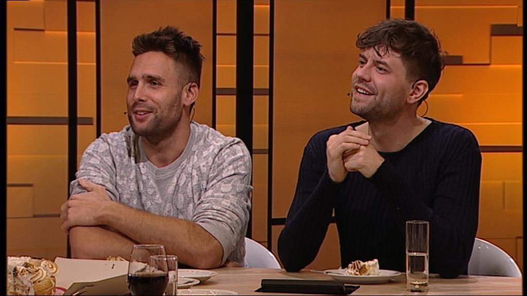 Nick en Simon over hun theatertour Herinneringen in AvondGasten   L1