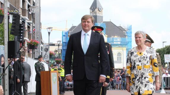 viering 50 jaar Terugkijken: Viering 50 jaar NAVO Brunssum   L1 viering 50 jaar