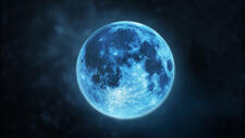 Limburgs Land over Blue Moon