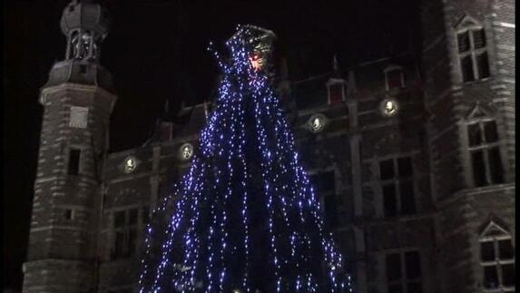 Kerstboom Met Led Verlichting In Venlo L1