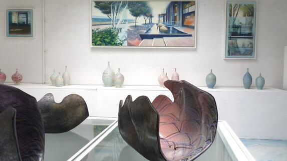 Galerie In Huis : Kunstenaar marcel van hoef uit roermond tovert zijn huis om tot