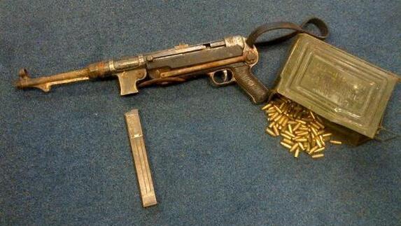 Machinepistool gevonden bij opruimen schuur l1 for Schuur opruimen