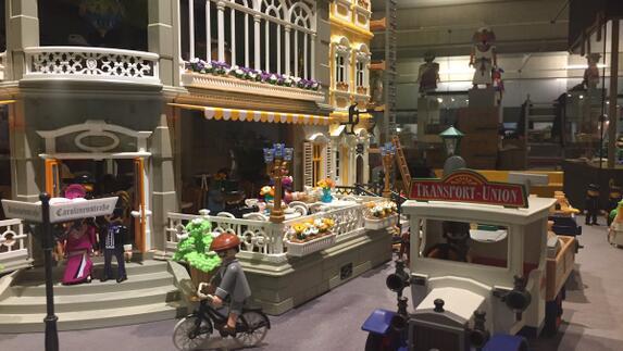 40 jaar playmobil Tentoonstelling 40 jaar Playmobil in het Limburgs Museum   L1 40 jaar playmobil